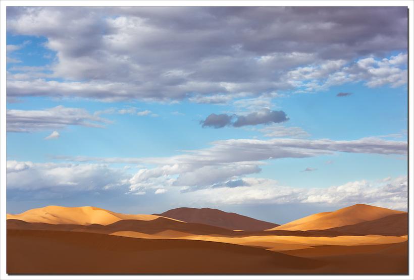 Sahara desert sand dunes in Morocco. (Rosa Frei)