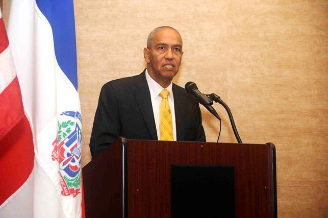 Miguel Andújar, cónsul dominicano en Boston.