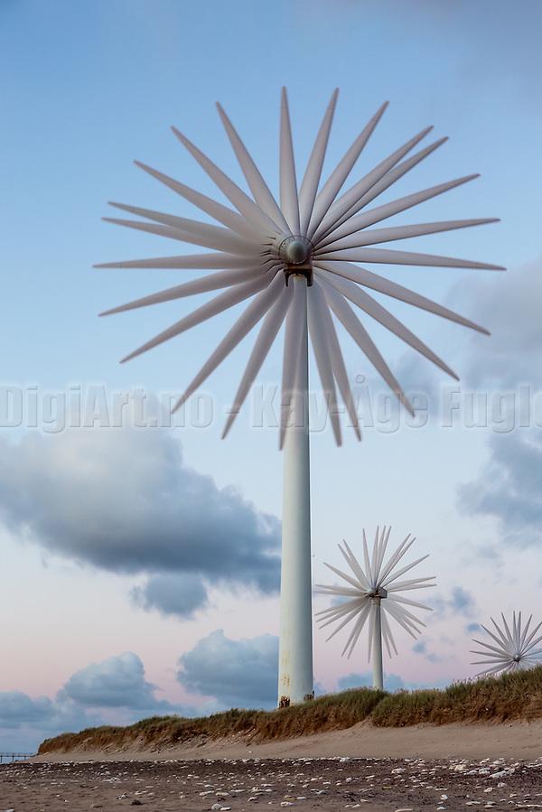 The Windmill Rose, put together by 8 synchronized exposures. Captured in Denmark, Hanstholm | Vindmøllerose, sett sammen av 8 synkroniserte eksponeringer. Tatt i Danmark, Hanstholm. (Kay-Åge Fugledal)