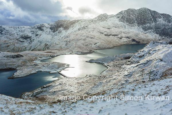 Llyn Llydaw & Y Lliwedd from Pyg Track, Snowdon Horseshoe, Snowdonia, North Wales - Photo By Simon Kirwan