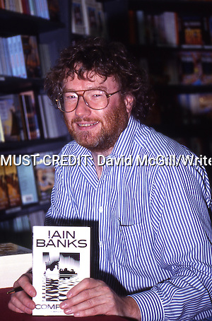 Scottish author Iain Banks photographed in 1994 Copyright David McGill/Writer Pictures contact +44 (0)20 822 41564 sales@writerpictures.com www.writerpictures.com (David McGill/Writer Pictures)