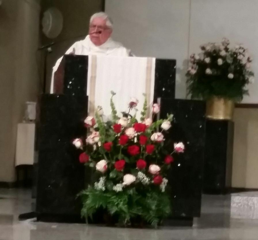La homilía fue oficiada por el Obispo Emérito de Perú, Monseñor Lorenzo León, en la Iglesia de Corpus Christi