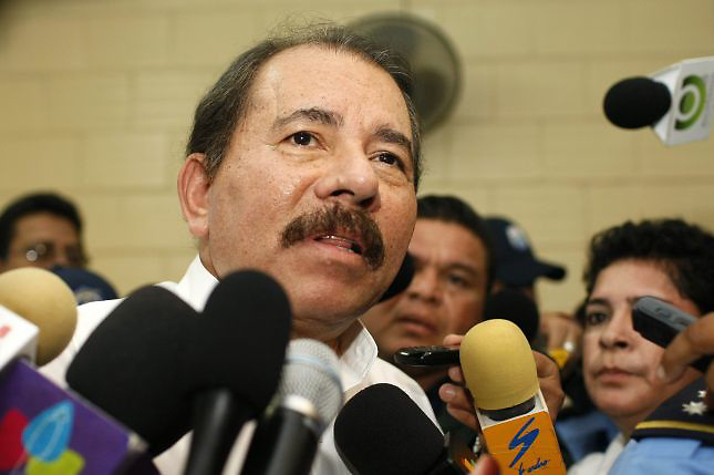 Ortega confirma a Obama que Nicaragua construir&iacute;a canal interoce&aacute;nico
