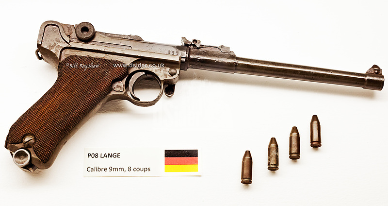 German WWI Revolver. World War One Lange P08 known as a Luger. A recoiloperated semi automatic pistol patented by Georg J. Luger in 1898. (copyright Bill Bagshaw/M.Williams all rights reserved)