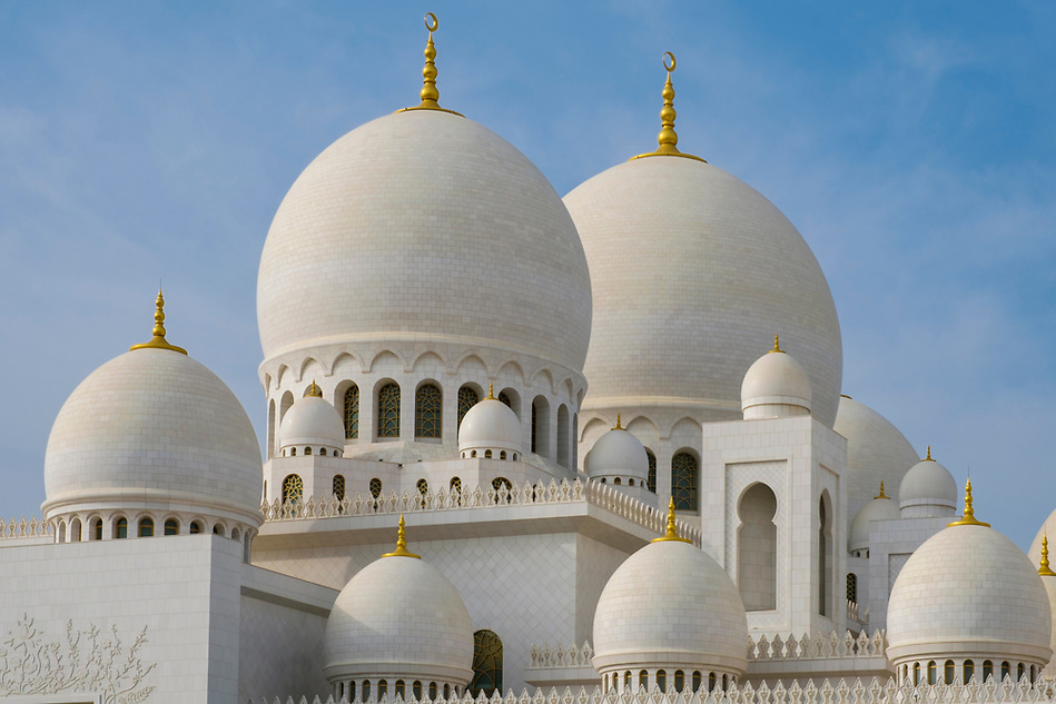 UNITED ARAB EMIRATES, ABU DHABI - CIRCA JANUARY 2017: View of the domes and cupolas of the Sheikh Zayed Mosque (Daniel Korzeniewski)