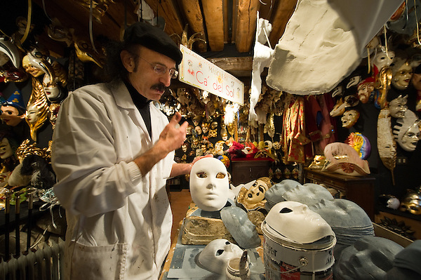 Venice Masks are hand made at Ca del Sol in preparation of Carnival 2011...***Agreed Fee's Apply To All Image Use***.Marco Secchi /Xianpix.tel +44 (0)207 1939846.tel +39 02 400 47313. e-mail sales@xianpix.com.www.marcosecchi.com (Marco Secchi)