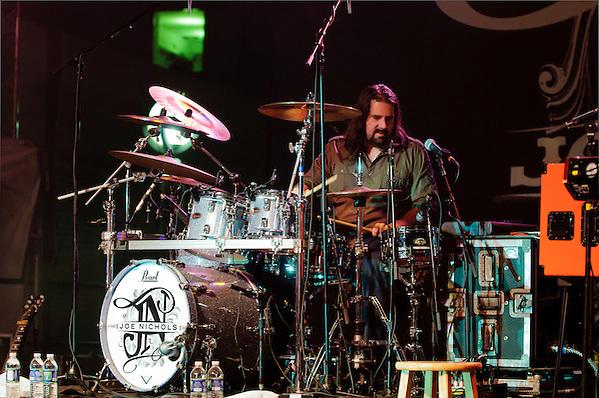 Drummer Wes Little (Jon Diener)