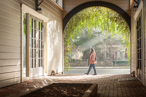 Anderson Valley kindergarden teacher assistant Teresa Malfavon visits Calistoga on a beautiful January morning. (Clark James Mishler)