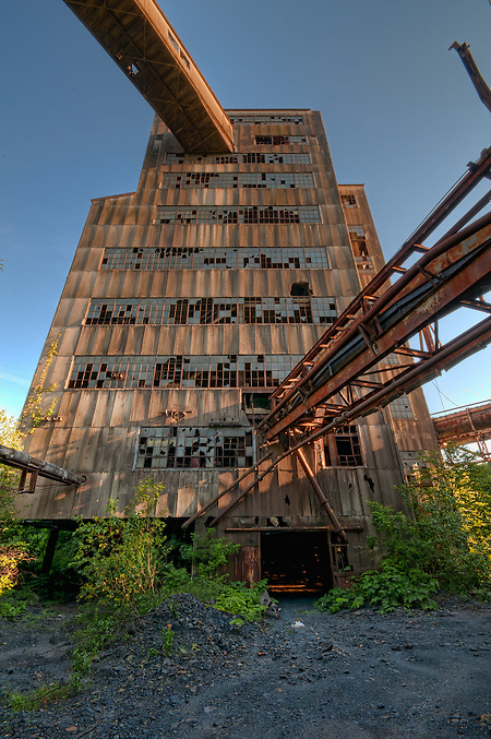The Abandoned St. Nicholas Coal Breaker in Mahanoy PA. (Walter Arnold)
