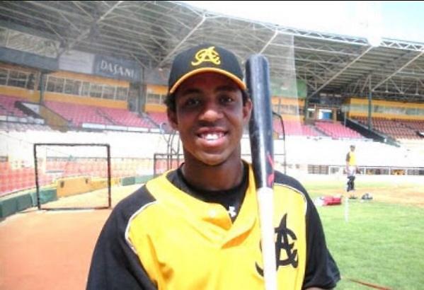 Oscar Taveras con uniforme de Águilas Cibaeñas.