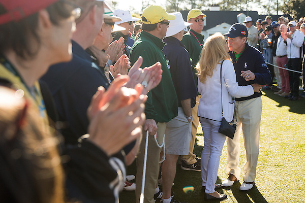 1977 and 1981 Masters champion Tom Watson kisses his wife, Hilary, on his way to the first tee before the first round of the 2016 Masters Tournament. Golf: 2016 Masters Round 1 Thursday Augusta National/Augusta, GA,  04/07/2016 SI-14 TK1 Credit: Darren Carroll (Darren Carroll/Sports Illustrated)