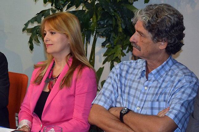 Nuria Piera y el periodista Jean Michel Caroit