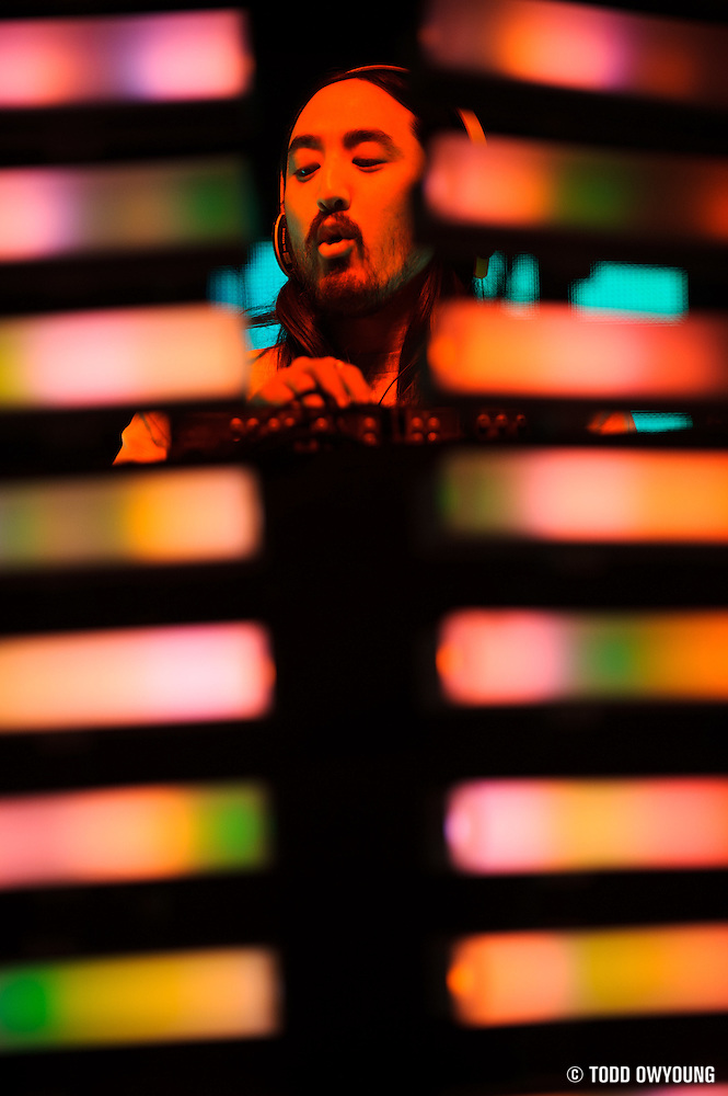 DJ and producer Steve Aoki performing at the Pageant in St. Louis on February 1, 2012. (Todd Owyoung)