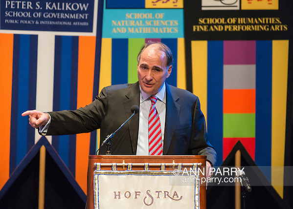 Hempstead, New York, USA. September 13, 2016. DAVID AXELROD, CNN Senior Political Commentator and Democratic strategist who served as Obama Senior Advisor, is the Signature Debate Speaker on The Evolving Media and Political Landscape, at Hofstra University, which will host the first Presidential Debate, between H.R. Clinton and D. J. Trump, scheduled for later that month on September 26. Hofstra is first university ever selected for 3 consecutive U.S. presidential debates; Hofstra; university; universities; college; colleges (Ann Parry/Ann Parry, ann-parry.com)