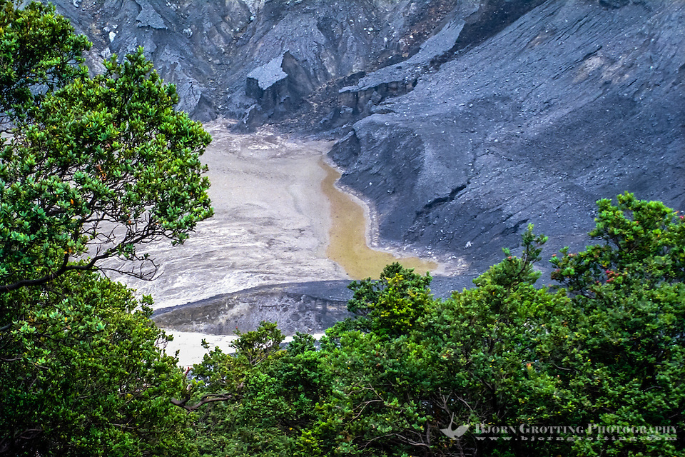 Indonesia, Java, Parompong. Tangkuban Prahu volcano. Kawah Ratu, the largest crater. A small lake at the bottom of the crater. (Photo Bjorn Grotting)
