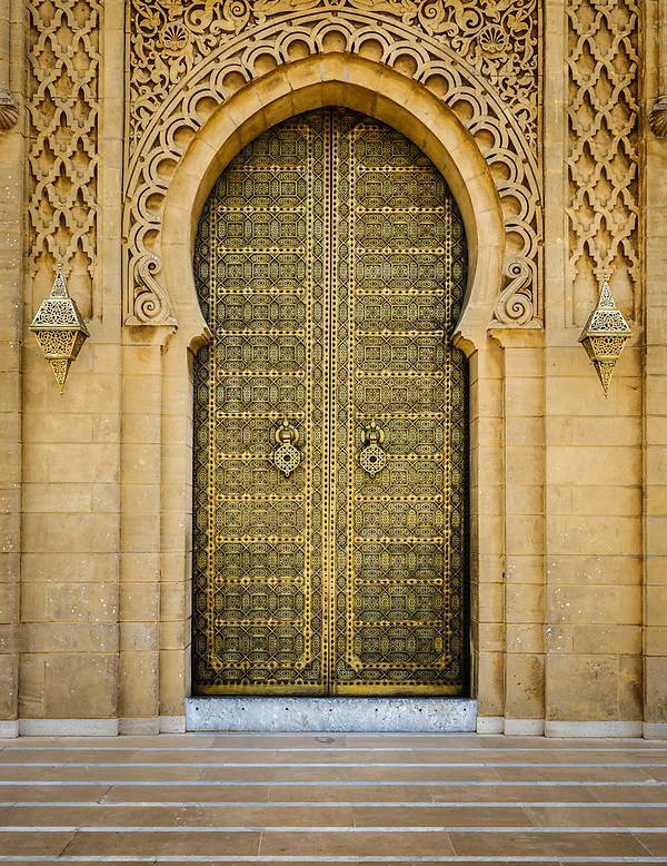 RABAT, MOROCCO - CIRCA APRIL 2017: Exterior door at the Mausoleum of Mohammed V in Rabat. (Daniel Korzeniewski)