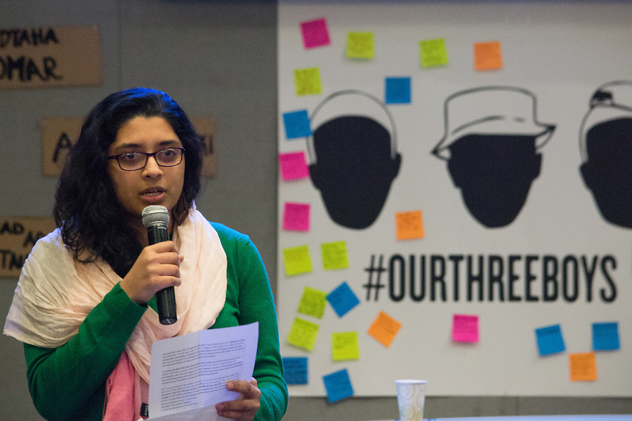 2016-03-04-Medford/Somerville-Tufts University-Hotung Cafe-Nazifa Sarawat speaks as a member of the Tufts Muslim Student Association about the killing in Indiana (Alex Knapp / The Tufts Daily). (Alex Knapp)