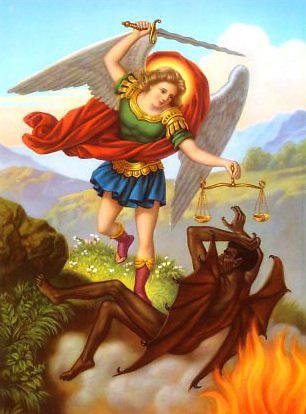 El arcángel Miguel peleando con el diablo