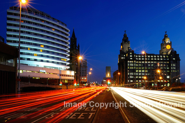 Liverpool City centre at night, Liver Building on right, Thistle Hotel (formerly Atlantic Tower) on left (Simon Kirwan)