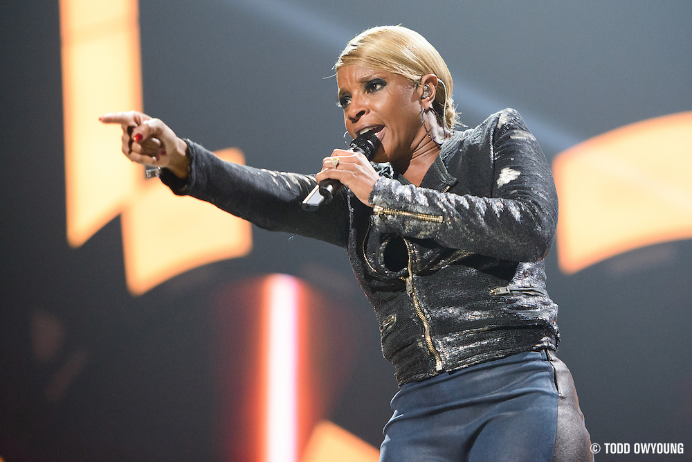 Mary J. Blige performing at the iHeartRadio Music Festival in Las Vegas, Nevada on September 22, 2012. (Todd Owyoung)
