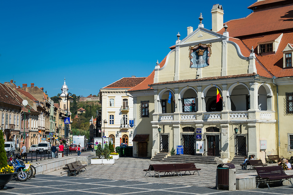 BRASOV, ROMANIA - October 2, 2012: View of the Pia?a Sfatului in Bra?ov, Romania, with 227,961 people living there is the 8th most populous city in Romania and a popular tourist destination. (Daniel Korzeniewski)