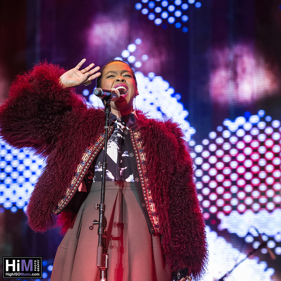 Ms. Lauryn Hill performs at the 2014 Voodoo Music Experience. (High ISO Music)