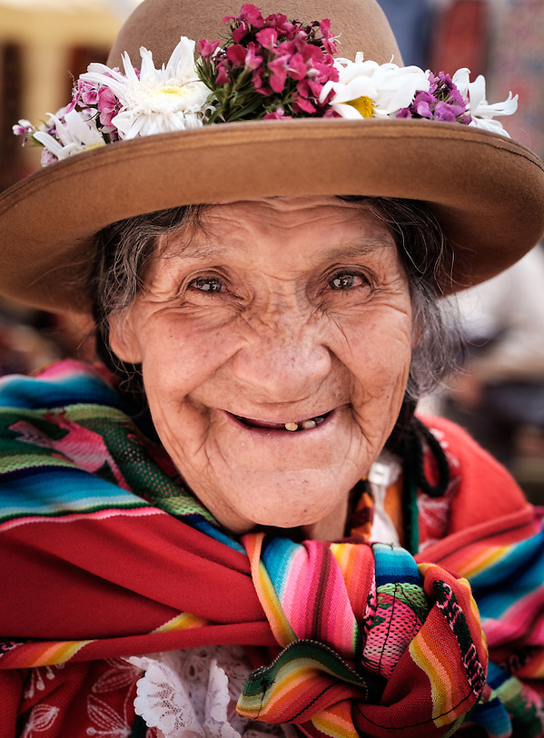 PISAC, PERU - CIRCA OCTOBER 2015: Portrait of local woman in the town of Pisac, a town in the Cusco region known as Sacred Valley (Daniel Korzeniewski)
