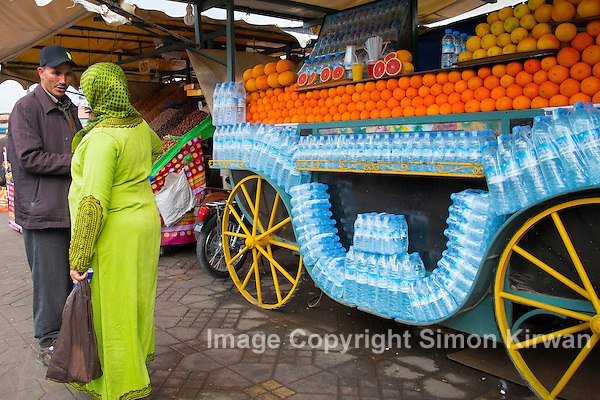 Orange Juice Seller, Jemaa el-Fnaa, Medina, Marrakech, Morocco - Photo By Simon Kirwan