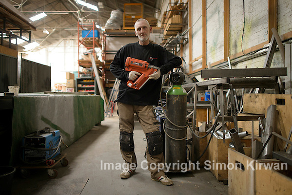 Andy the joiner, Scenic Workshops Liverpool - Photo By: Simon Kirwan