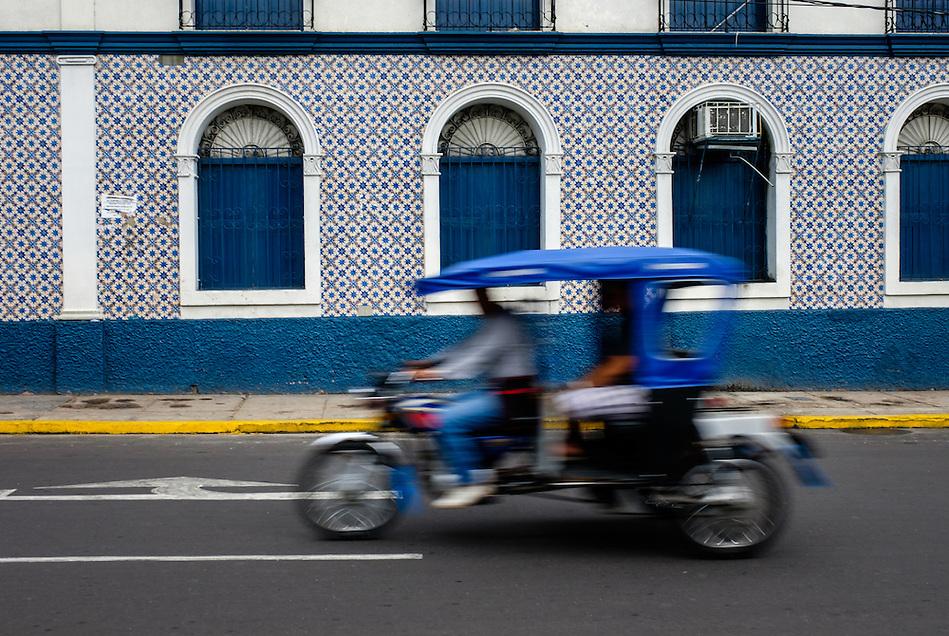 IQUITOS, PERU - CIRCA OCTOBER 2015: Typical motorbike in Iquitos, a city in the Peruvian Amazon. (Daniel Korzeniewski)