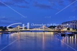 Albert Bridge over the River Thames at night, Chelsea, London ((c) Copyright 2009 Christopher Holt LTD - www.christopherholt.com)