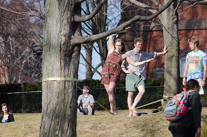 2016-03-09-Tufts students take to the President's Lawn on an unseasonably warm day in March (Alex Knapp / The Tufts Daily). (Alex Knapp)