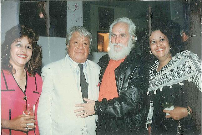 De izquierda a derecha Monnalisa Sención, Oswaldo Guayasamín, Guillo Pérez y la anfitriona Verónica Sención-Hostal Nicolás de Ovando