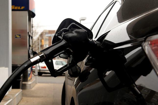 El Gobierno baja la gasolina, pero sube el gasoil y el gas de cocinar