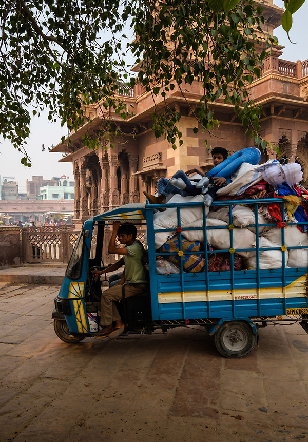 JODHPUR, INDIA - CIRCA NOVEMBER 2016: Typical cargo motorbike around the clock tower in Jodhpur. (Daniel Korzeniewski)