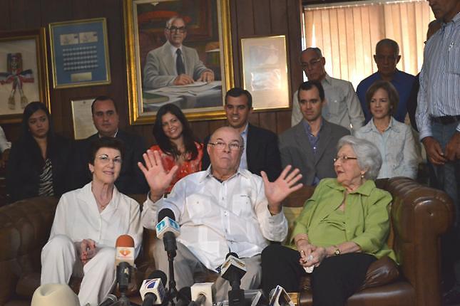 """Elecciones 2012: Hipólito dice se impondrá sobre el """"despilfarro y el robo"""""""