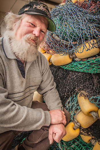 Seine builder Vern Alberts at Bulletproof Nets, Homer, AK (Clark James Mishler)