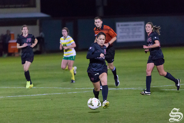 Lo'eau Labonta (21), Stanford W. Soccer defeats Oregon 1-0 in overtime on October 30, 2014 (Roger Chen)
