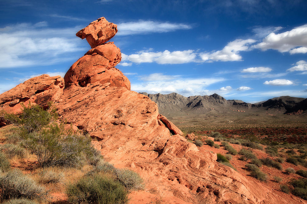 Balanced Rock in the Valley of Fire State Park, Nevada (Doug Oglesby)