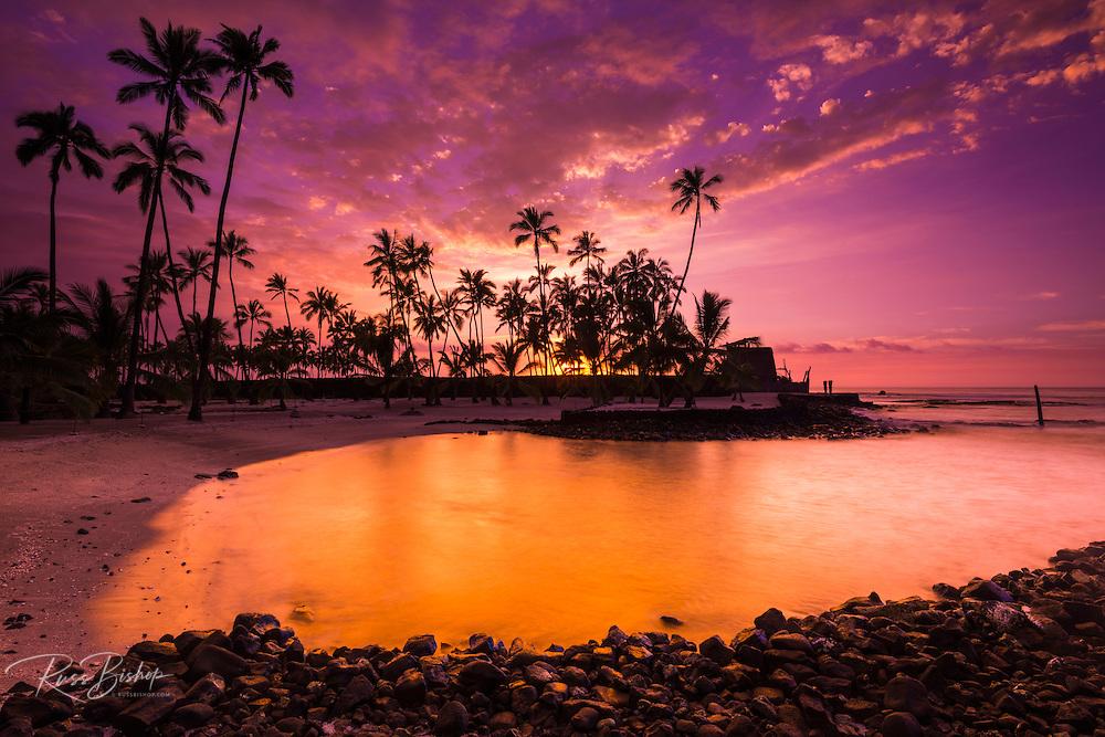 Sunset over Pu'uhonua O Honaunau National Historic Park (City of Refuge), Kona Coast, Hawaii