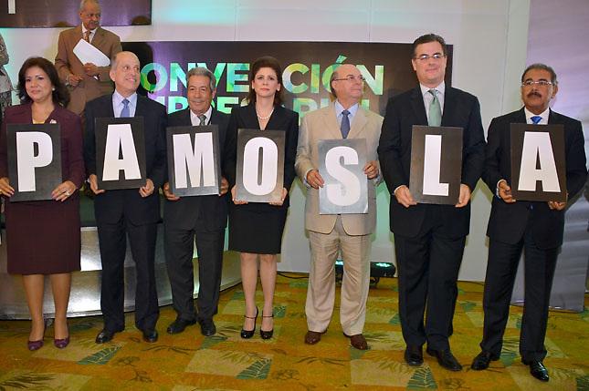 Los empresarios con Danilo Medina, Hipólito Mejía y otros dirigentes políticos