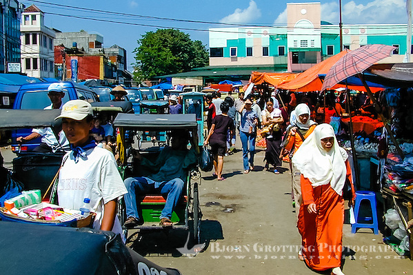 Indonesia, Java, Bogor. A busy market in the center of Bogor. (Photo Bjorn Grotting)