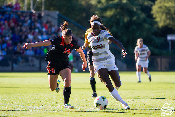 Chioma Ubogagu (9), Stanford W. Soccer defeats Oregon State 7-0 on November 2, 2014 (Roger Chen)