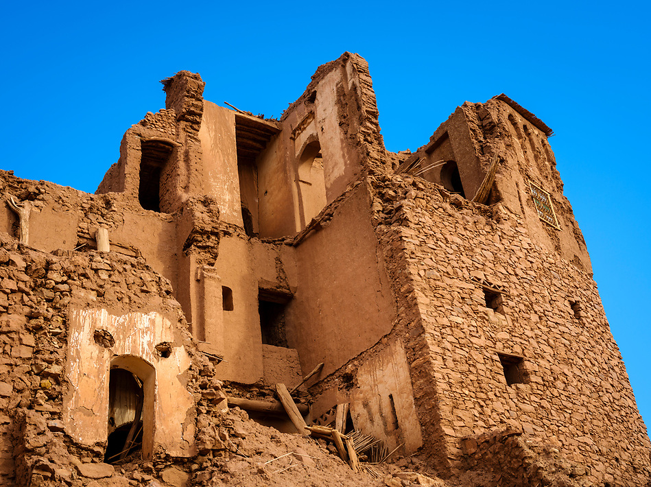 AIT BEN HADDOU, MOROCCO - CIRCA APRIL 2017: Buildings in disrepair at the Ksar Ait Ben Haddou (Daniel Korzeniewski)