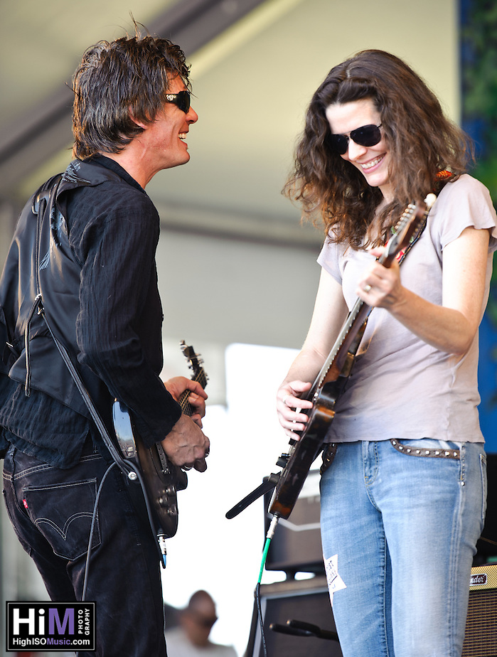 Edie Brickell playing at  Jazz Fest 2011 in New Orleans, LA on day 5. (Golden G. Richard III)