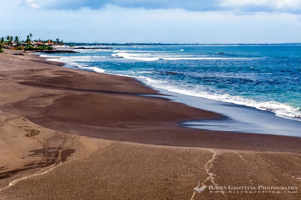 Bali, Badung, Seseh. Located north of Canggu and Kuta. The beach sand is darker here. (Photo Bjorn Grotting)