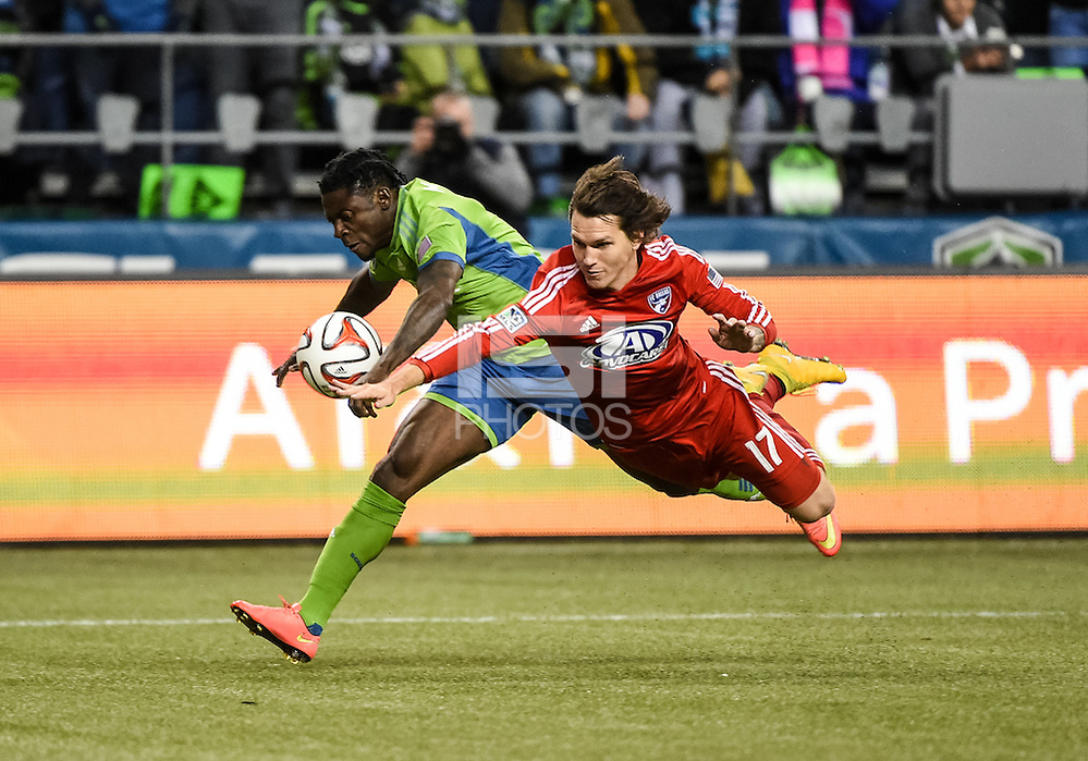 Seattle, Washington - November 10,  2014: The Seattle Sounders FC defeat FC Dallas to win the 2014 MLS Cup playoffs Western Conference Semifinals at CenturyLink Field. (Joshua Weisberg/isiphotos.com)