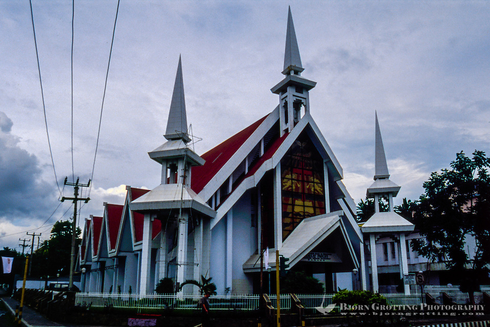 Indonesia, Sulawesi, Manado. One of the many churches in Manado. A majority of the people here are Christian. (Photo Bjorn Grotting)