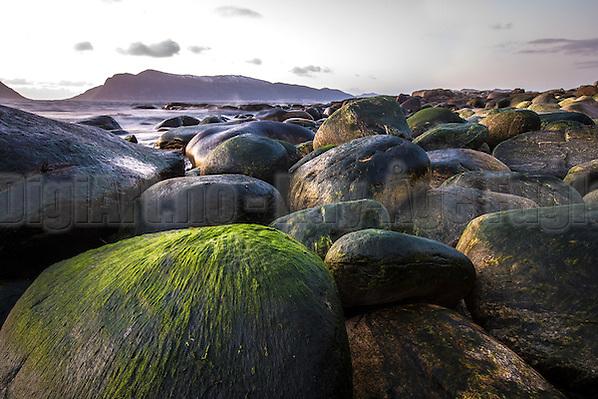 Stones with colors | Steiner med farge. (Kay-Åge Fugledal)