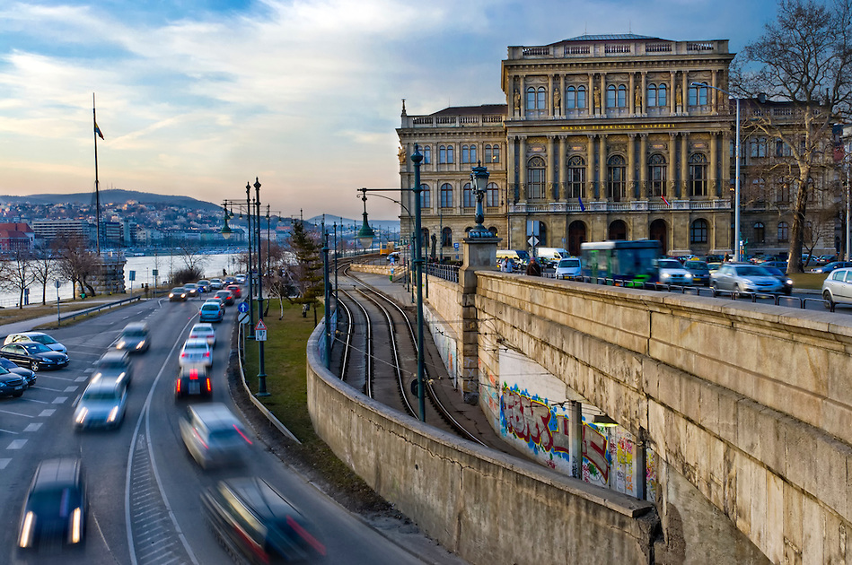 View of the Hungarian Academy of Science and street with motion car bording the Danube. (Daniel Korzeniewski)